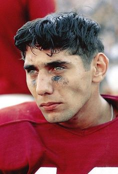 Joe Namath led the Alabama Crimson Tide to a 29–4 record over three seasons, culminating in the 1964 National Championship. He then left college early and went on to a glorious pro career with the New York Jets.