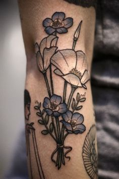 Little bouquet for Lauren of baby blue eyes flowers and white California poppies from Sunday at the tattoo convention in Texas. Thanks for being so flexible and letting me do what I wanted with the colors, girl!