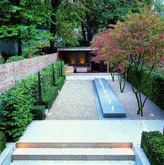 Minimal Court Garden