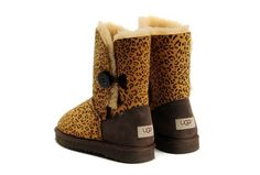 I want theseee UGGS (: