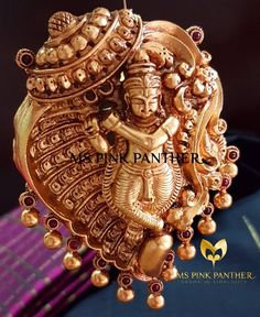 Saved by radha reddy garisa India Jewelry, Temple Jewellery, Antique Jewelry, Beaded Jewelry, Pendant Jewelry, Jewelry Necklaces, Gold Jewelry For Sale, Gold Jewellery Design, Jewelry Patterns