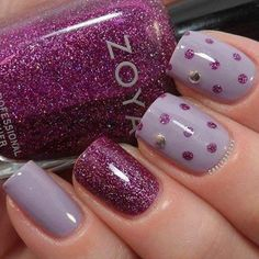 ring finger in glitter; middle finger and thumb with dots Fancy Nails, Love Nails, Diy Nails, Pretty Nails, Fantastic Nails, Fabulous Nails, Nail Art 2014, Nails 2014, Purple Nails