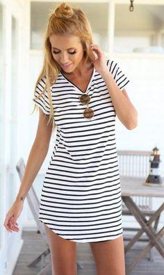 Monochrome Stripe Short Sleeve Shift Dress - White