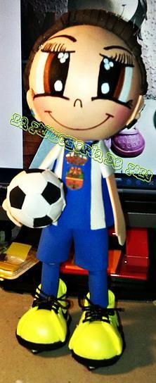 Fofucha futbolista con balón