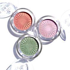 Oční stíny E style Wet & Dry Shiny Eye Shadow v odstínech Butterfly Pink (03), Magic Pink (04) a Mossy Green (02)