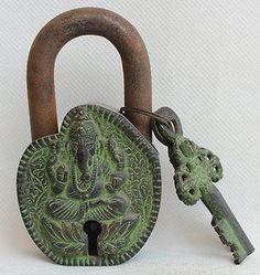 Buddha padlock and key Antique Keys, Vintage Keys, Or Antique, Under Lock And Key, Key Lock, Cool Doors, Unique Doors, Door Knobs And Knockers, Old Keys