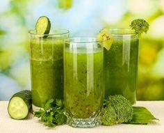 So fördern grüne Smoothies die Entsäuerung des Körpers - mit über 20 Rezepten. www.ihr-wellness-magazin.de