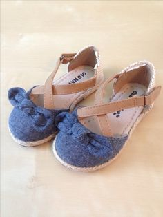 Sandals with canvas for toddler girls, size toddler 5, old navy, summer 2014