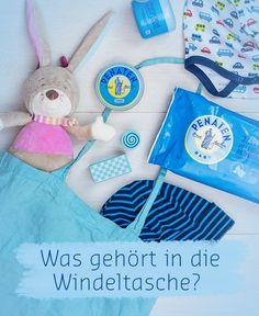 Die Wickeltasche packen. Feuchttücher, Babypflege, Windeln, Body zum Wechseln…