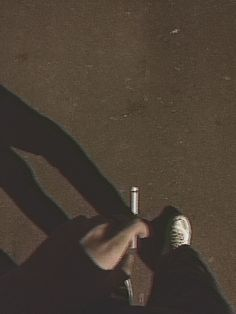 ⇝≫✿PINTEREST: @glamitalex ✨ INSTAGRAM: @glamitalex ✨✿≪⇜ Aesthetic Boy, Aesthetic Grunge, Aesthetic Photo, Cigarette Aesthetic, Smoking Kills, Smoke Photography, Foto Instagram, Wallpaper Quotes, At Least