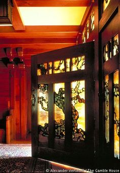 Gamble house, Greene and Greene architects, I love the stained glass panels in the door. Photo by Alexander Vertikoff. ~~ Now that's a DOOR! Very Handsome door. Art Nouveau, Art Deco, Gates, Gamble House, William Morris, Do It Yourself Wedding, Art And Craft Design, Craftsman Bungalows, Architect House