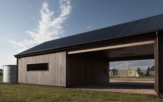 Trentham Long House by MRTN Architects (via Lunchbox Architect)