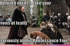 funny-celebrity-pictures-beloved-nerds-i-take-your-vows-of-fealty-seriously-at-this-renaissance-fair.jpg (500×335)