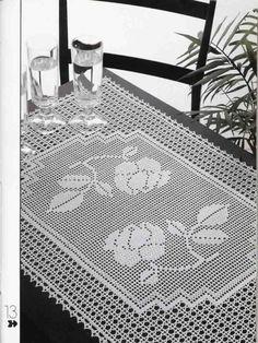 Kira scheme crochet: Scheme crochet no. Filet Crochet Charts, Crochet Doily Patterns, Crochet Motif, Crochet Designs, Crochet Doilies, Crochet Books, Tapestry Crochet, Thread Crochet, Crochet Table Runner