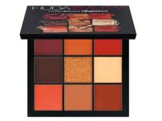Beauty guru and entrepreneur Huda Kattan blends her makeup expertise and with her debut Huda Beauty Eyeshadow Palette - Rose Gold Edition. Instantly bring light and warmth to your look with Huda's go-to palette. Make Up Palette, Eye Palette, Warm Eyeshadow Palette, Huda Beauty Eyeshadow Palette, Neutral Eyeshadow, Huda Palette, Eyeshadow Basics, Mac Makeup, Smokey Eye Makeup