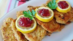 Vitamin B12 Benefits, Pork Schnitzel, Schnitzel Recipes, Oktoberfest Food, European Cuisine, Food Menu, Chorizo, Cooking Tips, Yummy Food
