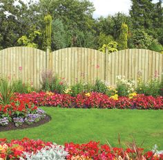 unique fence- love the curvature! Similar to Bullard's Fence