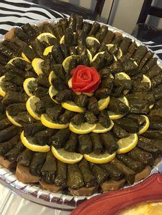Yallenji :) The most delicious arab food recipes. Armenian Recipes, Lebanese Recipes, Iftar, Finger Food Appetizers, Appetizer Recipes, Egyptian Food, Food Carving, Food Garnishes, Iranian Food