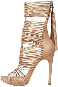 Amazon.com: BCBGMAXAZRIA Women's MA-Elista Sandal: BCBGMaxazria: Shoes