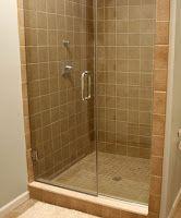 Πώς μπορούμε να καθαρίσουμε εύκολα  την τζαμαρία του μπάνιου ή της ντουζιέρας  μας απο τα άλατα και υπολείμματα σαπουνιού Alcove, Bathtub, Housewife, Bathroom, Tips, Standing Bath, Washroom, Bathtubs, Bath Tube