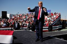 The GDP report next week will likely show record-breaking economic growth, but it may not help Trump Us Election, Presidential Election, Joe Biden, Wisconsin, Donald Trump, Us Wahlen, Early Voting, Red State, Us Politics
