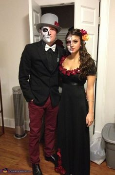 Dia de Los Muertos Couple - Halloween Costume Contest