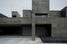 Japanese studio FORM/Kouichi Kimura Architects designed a concrete house in Shiga, Japan which is intentionally completely cut off from its environs. Contemporary Architecture, Art And Architecture, Concrete Architecture, Contemporary Furniture, Built In Furniture, Architect House, Brutalist, Shiga, Building A House