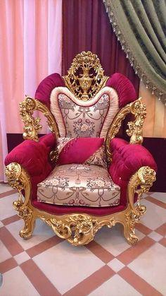 Furniture Donation Pick Up Denver OFurnitureStores - Dies und Das - Goodsstr Royal Furniture, Victorian Furniture, Funky Furniture, Refurbished Furniture, Furniture Upholstery, Furniture Layout, Unique Furniture, Shabby Chic Furniture, Luxury Furniture