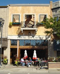 Classic Italian & American dishes, plus weekend brunch, are served in an old-world-style venue.