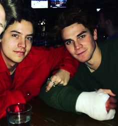 cole sprouse, jughead jones, and kj apa image. (They want you to see them as buddies. They don't want you to know that they are F**k buddies. Kj Apa Riverdale, Riverdale Archie, Riverdale Funny, Riverdale Memes, Riverdale Cast, Cole Sprouse Funny, Dylan Sprouse, Good Girl Quotes, Guitar Boy