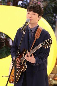 星野源 Music Instruments, Guitar, Singer, Artist, People, Model, Musical Instruments, Singers, Folk