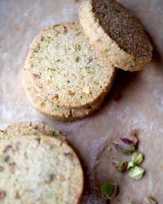 Pistachio Shortbread Cookie Recipe from @Leite's Culinaria