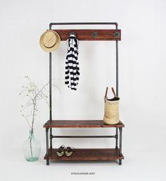 ****Exlusive handgemachte stahlrohr-art  Sitzgarderoben ****  Design verbindet Funktionalität mit einer attraktiven industriellen klaren Form.  Eine Sitzgarderobe, wie sie nicht täglich zu...