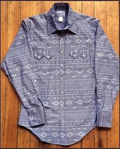 The original maker of the pearl snap western shirt. Rockmount's western wear collection includes vintage embroidered shirts, bolo ties, western hats and silk scarves. Western Outfits, Western Shirts, Western Wear, Westerns, Denver, Cowboys Shirt, Mens Fashion, Fashion Outfits, Vintage Men