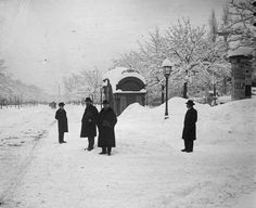 Budapest Andrassy avenue Old Pictures, Old Photos, Vintage Photos, Budapest Hungary, Historical Photos, The Past, Snow, History, City