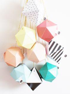 10 DIY pour un calendrier de l'avent handmade - maria. Mobil Origami, Origami Mobile, Advent Calenders, Diy Advent Calendar, Christmas Paper, Christmas Time, Xmas, Origami Paper Art, Paper Crafts