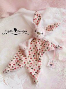 Could take a star pattern and add head and ears for baby toy. No pattern no English translation HANDMADE Natella Korottini: Выкройки Baby Sewing Projects, Sewing For Kids, Diy For Kids, Free Sewing, Diy Projects, Baby Couture, Couture Sewing, Diy Bebe, Fabric Toys