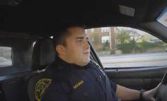 Matt Holman es un oficial de policía que un día se encontraba haciendo sus…