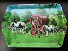 GYPSY WAGON CARAVAN TRAVELLERS SMALL MELAMINE TEA TRAY PIEBALD PONY FOAL