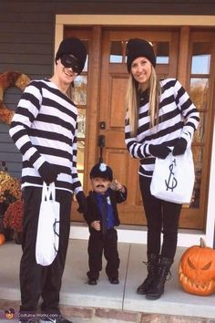 #Family #costumes #costume #ideas costume family ideas family costume ideasYou can find Family costumes and more on our website