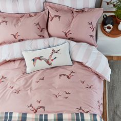 Made to complement the Flying Mallards bedding, this pillowcase has a soft vertical stripe which matches the reverse of the duvet cover and is perfect for adding another layer of cosiness to your bed. 100 Cotton Duvet Covers, Double Duvet Covers, Single Duvet Cover, Duvet Cover Sets, King Size Duvet, Country Interior, Western Homes, Pink Bedding, Mallard