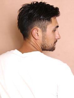 今回は、30代の男性に似合うカッコいい髪型の中でも特に女性からの好感度の高いヘアスタイルを紹介していきます。