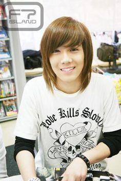 a young Lee Hong Ki how cute! want to squeeze his cheeks Hot Korean Guys, Korean Men, Korean Actors, Asian Boys, Asian Men, Hong Ki, Asian Fever, Kim Heechul, Kpop Fashion