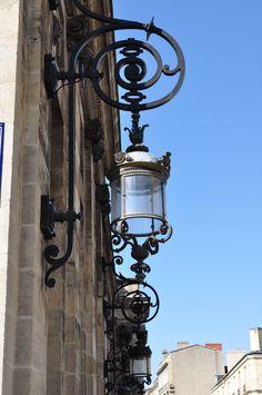Lanternes, Hôtel de Ville.