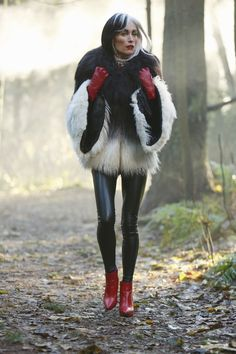 "Cruella DeVil - Once Upon A Time ""The Brother Jones"""
