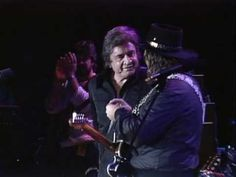 "Johnny Cash & Waylon Jennings - ""Folsom Prison Blues"" (Live at Farm Aid 1985)"