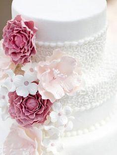 Life-Like Sugar Flowers