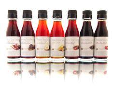 フルーツ醤油明治十二年創業、兵庫県で伝統的なうすくちしょうゆを醸造しているオオギイチ醤油が学芸大学でしょうゆの新しい使い方を提案するショップ「SOY&CO.1879」をオープン