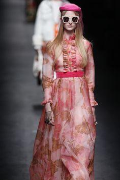 Lo último de Gucci en Milán http://stylelovely.com/galeria/lo-ultimo-de-gucci-en-milan/?utm_source=FB&utm_medium=FBStyleLovely&utm_campaign=SN