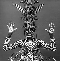 Robert Mapplethorpe - Grace Jones painted by the New York graffiti artist, Keith Haring Robert Mapplethorpe, Grace Jones, Ms Jones, Keith Haring, Haring Art, Andy Warhol, Arte Tribal, Tribal Art, Pop Art